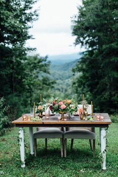 possibly the cutest sweetheart table, ever. | photo: boonetown story | http://emmalinebride.com/rustic/mountain-wedding-ideas/