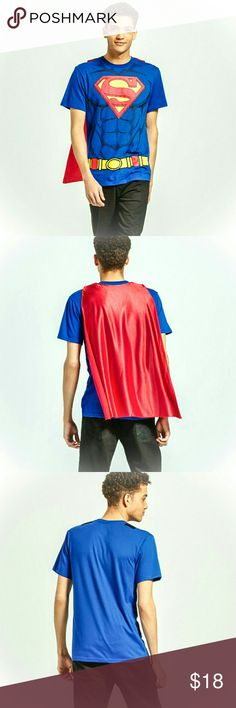 🆕 Superman Tee w/ Cape Brand new with tags, men's Superman tee shirt with removable cape! Perfect holiday gift for your favorite DC Comic fan. Cape attaches with velcro. DC Comics Shirts Tees - Short Sleeve