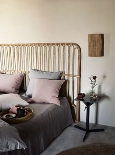 Headboard in rattan - the perfect bedboard for your bohemian decor