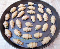 Cornulete fragede si vanilate (de post) - Bunătăți din bucătăria Gicuței Pie, Ethnic Recipes, Desserts, Food, Torte, Tailgate Desserts, Cake, Deserts, Fruit Cakes