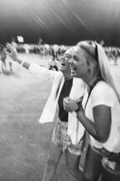 black and white best friends friend bff Friday night high school football games Go Best Friend, Best Friend Goals, Best Friends Forever, Best Friend Pictures, Friend Photos, Good Vibe, Youre My Person, Best Bud, Bff Goals
