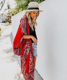 Kimono Vacation Style, Vacation Outfits, Airport Style, Spring Fashion, Paisley, Denim Shorts, Kimono Top, Style Inspiration, Spring Style