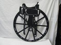 Sadldle et roue Silhouette grand Western Barn Yard par cabinhollow