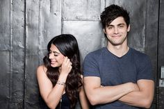 Emeraude Toubia and Matthew Daddario Alec Lightwood Aesthetic, Jace Lightwood, Isabelle Lightwood, Shadowhunters Tv Series, Shadowhunters The Mortal Instruments, Alec And Jace, Cassie Clare, Matthew Daddario, Shadow Hunters