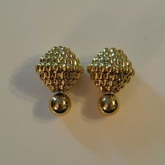 Double Sided Earrings Gold Double Sided Earrings  $9.00 for 1 pair  $8.00 each for 2-3 pairs  $7.00 each for 4-5 pairs  $6.00 each for 6+ pairs  Returning buyers take $1.00 off each of the above!   No Other Discounts Apply! If bundling for the 15% discount sale they are $9.00 each with 15% off OR the price above what ever works out cheaper for you)  Jewelry Earrings