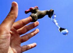 23-09-2014 |@| #Agua |@| boletín diario ¿Conoces la huella de agua de las cosas que consumes?    La primera norma mundial sobre la Huella de Agua (ISO 14046), en la que han trabajado durante cinco años expertos de veinte ...  Leer esto y más en http://laoropendolasostenible.blogspot.com.es/2014/09/23-09-2014-agua-boletin-diario.html