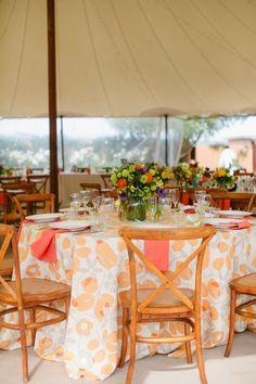 La Tavola Fine Linen Rental: Nellie Tangerine with Tuscany Coral Napkins | Photography: Jenna Marie Photography, Event Planning: Dandelion Events, Floral Design: Mandy Scott Floral