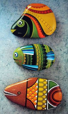 Painting Pebbles , Pattern Idea for Painting on Stones and Rocks, Animal Stones, Animal Shapes , animals, rocks, stones, realistic , Stein Bemalen, Stone Crafts, rock crafts, DIY, kawaii, cute ,critters,creatures, fish, fisch