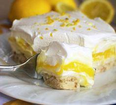 Cette recette, adaptée de la lemon lush, une tarte à la crème typiquement…