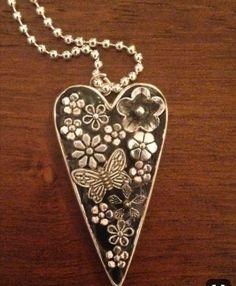 Heart Jewelry, Glass Jewelry, Resin Jewelry, Jewelry Crafts, Jewelry Art, Beaded Jewelry, Handmade Jewelry, Polymer Clay Embroidery, Or Antique