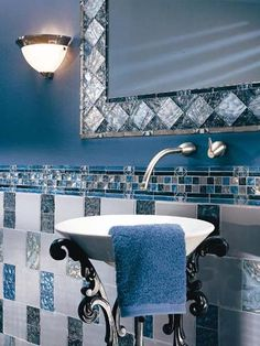 How to Decorate a Modern Asian Bathroom Asian Bathroom, Blue Bathroom Decor, Bathroom Colors, Bathroom Furniture, Colorful Bathroom, Bling Bathroom, White Bathroom, Bathroom Interior, Small Bathroom