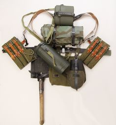Reproduction field equipment package for WWII German Heer and Waffen SS troops armed with submachineguns. Military Gear, Military Equipment, Military History, Ww2 Uniforms, German Uniforms, German Soldiers Ww2, German Army, Army Gears, Military Pictures