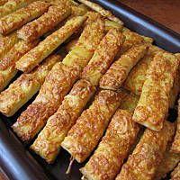 paluszki do barszczu i nie tylko Happy Foods, Polish Recipes, Sausage, Bacon, Food And Drink, Appetizers, Menu, Dinner, Cooking