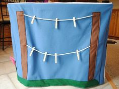 Life of a Modern Mom: Felt Card Table House!  Clothesline for hanging doll clothes