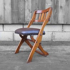 Hey, I found this really awesome Etsy listing at https://www.etsy.com/pt/listing/264549098/mid-century-folding-chair-the-drifter