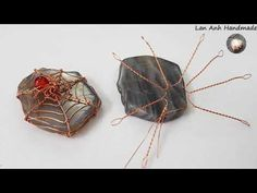 Spider and spider webs with freeform Labradorite slices undrill pendant - Halloween jewelry 419 Fall Jewelry, I Love Jewelry, Simple Jewelry, Wire Crafts, Jewelry Crafts, Jewelry Art, Wire Spider, Spider Webs, Wire Jewelry Patterns