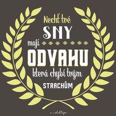 V životě můžete dosáhnout čehokoliv, máte-li odvahu o tom snít, inteligenci vytvořit plán a vůli dotáhnout ten plán do konce. ☕ #sloktepo #motivacni #hrnky #miluji #kafe #citaty #zivot #mujzivot #mojevolba #domov #darek #dokonalost #dobranalada #pozitivnimysleni #rodina #stesti #laska #czech #czechgirl #czechboy #prague