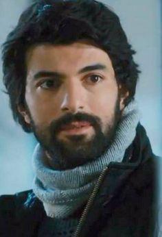 Kara Para Ask - Prljavi novac i ljubav Beautiful People, Most Beautiful, Turkish Actors, Best Actor, Best Tv, Stone Painting, Tv Series, Fangirl, Cool Photos