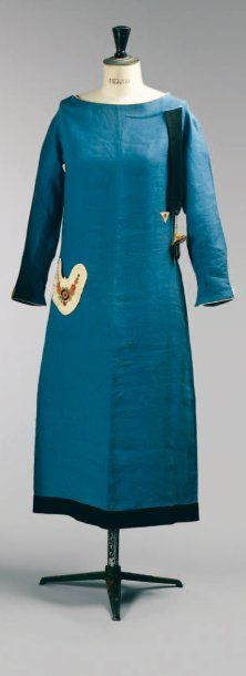 Paul Poiret, circa 1924 afternoon dress, from the collection of Denise Poiret. This is different!
