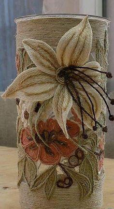 Jute Flowers, Diy Flowers, Fabric Flowers, Twine Crafts, Yarn Crafts, Paper Crafts, Diy Arts And Crafts, Handmade Crafts, Diy Crafts
