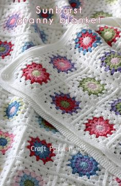 [Free Crochet Pattern + Video Tutorial] Sunburst Granny Square Pattern