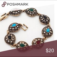 """Vintage Fashion gold bracelet Hello dear!  Thank you for the like💗!  Just wanted to let you know i am taking 10% off bundles & giving you a FREE gift up to $10 value.    If you are just wanting one item, I do accept reasonable offers on most items.  Please use the OFFER"""" button.  NO TRADE !!!  Thanks for visiting!😊. I also have a buy 2 get 1 FREE Jewelry promotion going on.  Lmk which item you want free. price for 1  Jewelry Bracelets"""