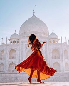 The Taj Mahal - India ❤❤❤ . Pic by ✨ & ✨ for a feature ❤ Photography Poses Women, Creative Photography, Portrait Photography, Creative Shots, Morning Photography, Travel Pose, Travel Vlog, Indian Photoshoot, Visit India