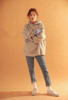 Korean Women's clothes Tips 6348279664 - Fashion Set Fashion, Fashion Moda, Look Fashion, Trendy Fashion, Winter Fashion, Fashion Outfits, Trendy Style, Petite Fashion, Modest Fashion