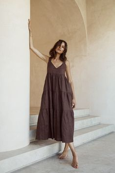Midi Dress Outfit, Dress Skirt, Frock And Frill, Brown Outfit, Warm Weather Outfits, Linen Dresses, Mode Outfits, Mode Style, Autumn Fashion