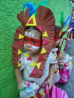 LEMBRANCINHA DIA DO ÍNDIO Diy And Crafts, Arts And Crafts, 2nd Birthday Parties, Halloween Costumes, Alice, Nursery, Indiana, School, Party
