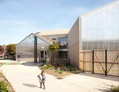 SOA: les coccinelles nursery school, paris...Great double skin concept and concealing of gutters