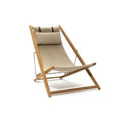 H55 teak solstol er fra 1955, hvor designeren Björn Hultén udstillede stolen på Helsingborg Exhibition. Han var i fint selskab med bl.a. Alvar Alto, Finn Juhl og Arne Jacobsen på udstillingen.