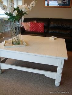Restyled Vintage: Our coffee table