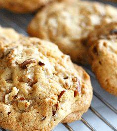 Koolhydraatarme pecan koekjes om koolhydraatarm te snoepen! Heerlijk voor bij de koffie deze koude winterdagen. Eet smakelijk!