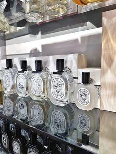 Metropoliten parfimerija i niche parfemi - Makeup Loving me Perfume, Skin Care, Skincare Routine, Skins Uk, Skincare, Asian Skincare, Fragrance, Skin Treatments