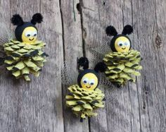 Adornos de abeja cono de pino, Bumble Bee, primitivo país decoración, país encanto acento, cono de pino artesanal