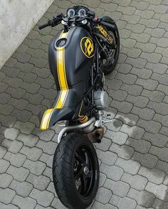 Ducati corse monster retouched, in black and yellow stripes, .- Ducati corse monster retouched, in black and yellow stripes, amazing - Ducati Monster S2r, Ducati Monster Custom, Ducati Custom, Custom Bikes, Yamaha 250, Cool Motorcycles, Triumph Motorcycles, Bike Garage, Cbx 250
