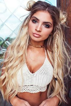 coachella music festival hair - Looking for Hair Extensions to refresh your hair look instantly? KINGHAIR® only focus on premium quality remy clip in hair. Visit - - for more details. Easy Summer Hairstyles, Cute Hairstyles, Braided Hairstyles, Concert Hairstyles, Festival Hairstyles, Latest Hairstyles, Hairstyle Ideas, Boho Hairstyles Medium, Two Buns Hairstyle