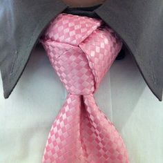 """Trinity Knot for Men's Ties #diy #video #tutorial"""