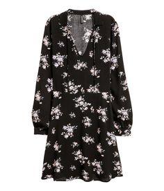 Kuviollinen mekko | Musta/Kukkakuvio | Naiset | H&M FI