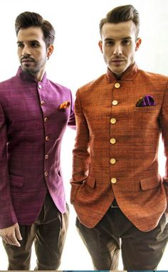 Bandhgalas are very traditional wear India. Bandhgalas is a western style suit… … Mens Indian Wear, Mens Ethnic Wear, Indian Groom Wear, Indian Men Fashion, Mens Fashion, Mens Sherwani, Kurta Men, Sherwani Groom, Mens Traditional Wear