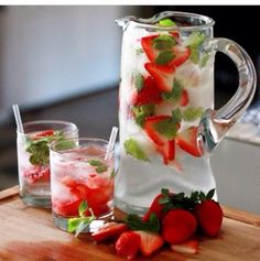#cleaneating #health #strawberry #mint #infusedwater