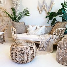 1 Left Deco Rattan Sofa Couch W/Cushion Rattan Daybed, Rattan Furniture, Living Pequeños, Living Room, Decoration Inspiration, Custom Cushions, Home And Deco, Bohemian Decor, Home Goods