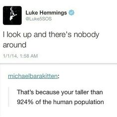 Haha!!!! Luke Hemmings <3 Height Problems ! My Lukeys a giraffe <3 5…