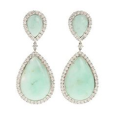 http://alowcountrywed.com/wp-content/uploads/2012/03/mint-wedding-earrings.jpg