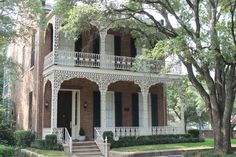 Image from http://insideofknoxville.com/wp-content/uploads/2012/06/Home-with-Ornamental-Ironwork-Mobile-Alabama-May-2012.jpg.