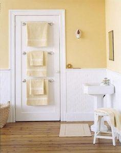 Bathroom Design Ideas Adding towel bars to back of bathroom doors in a small bathroom 30 Brilliant Bathroom Organization and Storage DIY Sol. Bathroom Doors, Bathroom Renos, Bathroom Towels, Bathroom Interior, Modern Bathroom, Beautiful Bathrooms, Downstairs Bathroom, White Bathroom, Bath Towels
