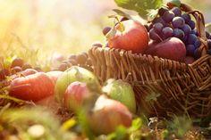 ¡Te contamos todos los mitos y realidades sobre la fruta! http://es.euroclinix.net/blog/curiosidades/mitos-y-verdades-fruta.html