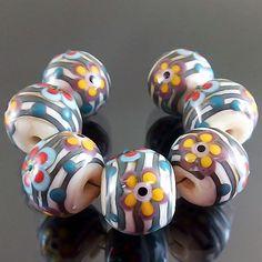 PIKALDA=handmade lampwork 7 glass beads flower blossom garden=GARDEN BEACH=SRA