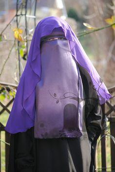 Butterfly-Niqab - Lila Types Of Veils, Niqab Fashion, Face Veil, Hijab Niqab, Crepe Fabric, Muslim Women, Raincoat, Butterfly, Purple